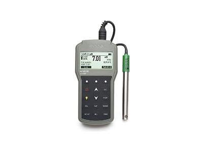 Rugged, waterproof pH meter. HI98190