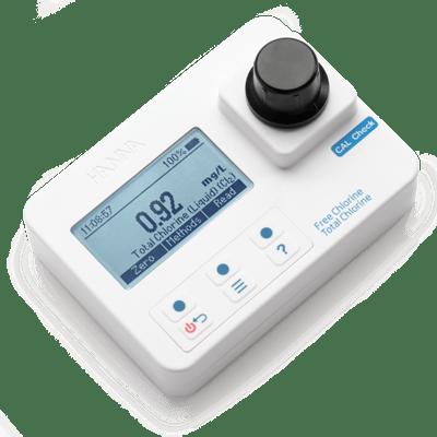 free-and-total-chlorine-portable-photometer-hi97711